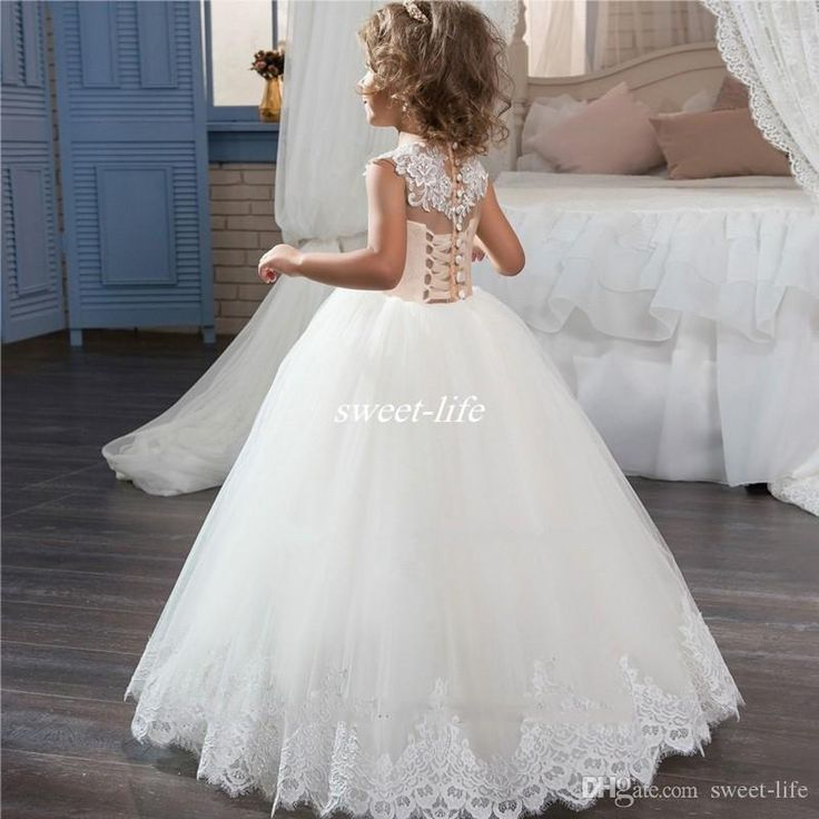 New Girls Ball Gown White Flower Girl Dresses For Wedding Tulle Appliques Lace Buttons Back Children Long Holy First Communion Dresses 2017