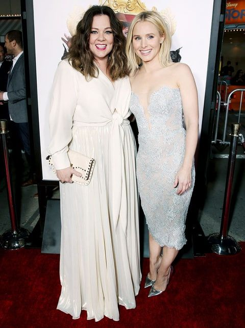 Melissa McCarthy, Kristen Bell Ham It Up on the Red Carpet - Us Weekly