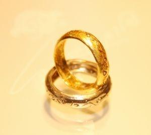 http://www.lemienozze.it/operatori-matrimonio/gioielli/germano/media  Fedi nunziali in oro giallo