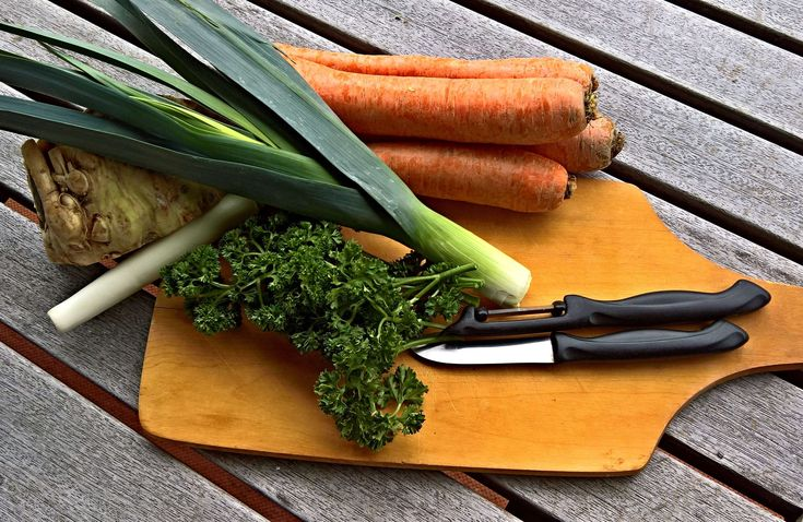 #broth #carrots #celery #cut #eat #federal soup #for soup #frisch #green soup #healthy #leek #parsley #roughage #snip #stew #taste #vegetables #vitamins