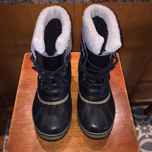 Women's Sorel Waterproof Boots Pair of used Sorel waterproof boots in good condition size 6. Black with tan trim. SOREL Shoes Winter & Rain Boots