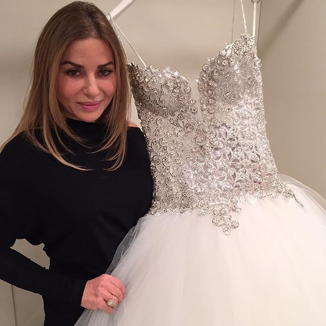 My NYC trunk show starts today at the Pnina Tornai boutique at @kleinfeldbridal! So excited to meet all of my future #PninaBride's