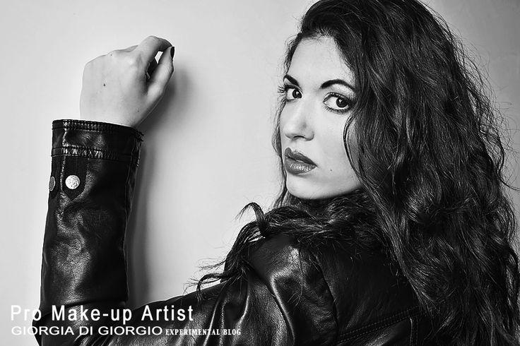 Black & White Photography by Giorgia Di Giorgio  concept make up - Photo/Edit by Giorgia Di Giorgio Gallery (page) http://makeupartistgiorgia.blogspot.it/  Model:Martina