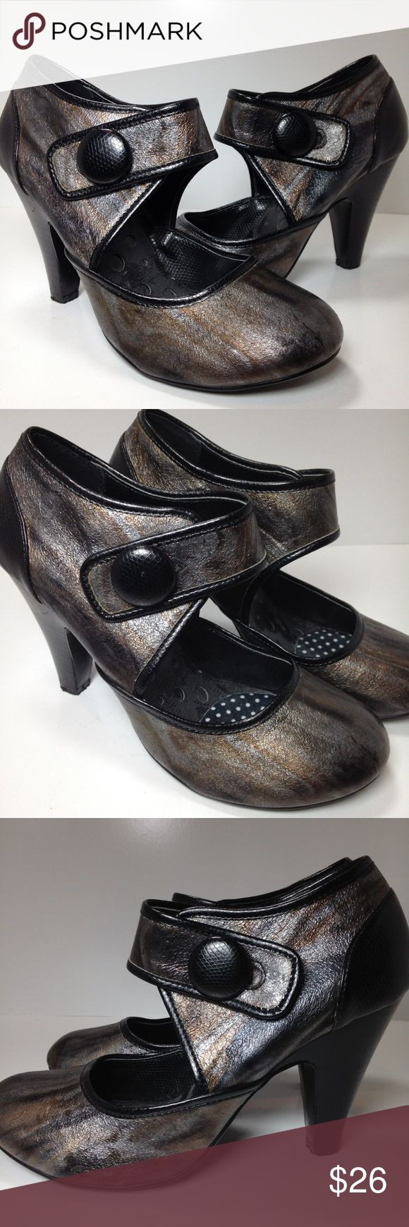 """Never worn Not Rated heels Never worn """"not rated"""" heels. Size is 9.5. Smoke free and pet free home. Not Rated Shoes Heels"""