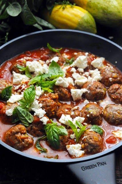 Dorian cuisine.com Mais pourquoi est-ce que je vous raconte ça... : Le vendredi c'est retour vers le futur… Cuisiner moins pour profiter plus ! Petites boulettes parfumées et tomates…