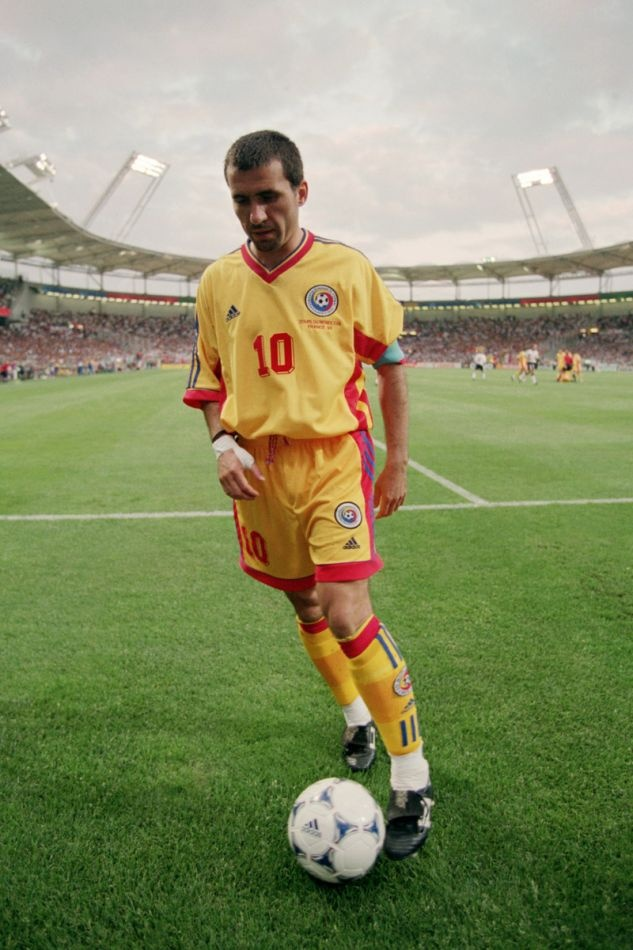 Gheorghe Hagi - Farul Constanta, Sportul Studentesc, Steaua Bucuresti, Real Madrid, Brescia, Barcelona, Galatasaray, Romania.
