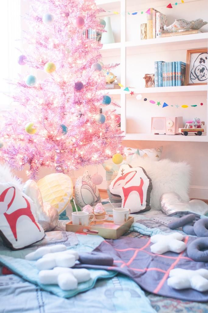 Amazing Christmas Slumber Party Ideas Part - 9: A Christmas Sleepover