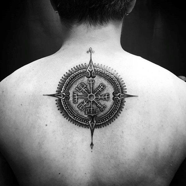 Das Mystische Schutzsymbol Aus Dem Hohen Norden Eines Der Bekanntesten Nordischen Symbole Das Vegvisir Viking Tattoos Viking Compass Tattoo Compass Tattoo