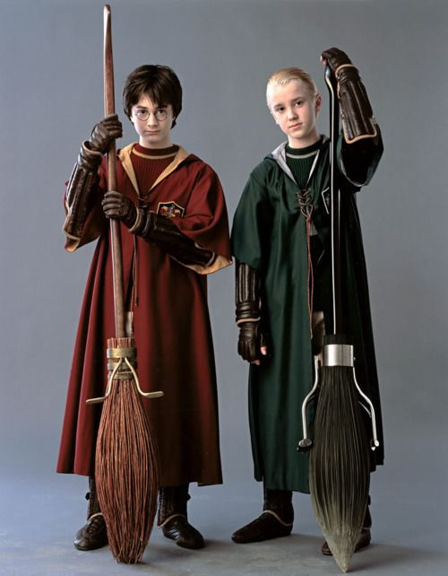 Harry and Malfoy - Quidditch players - this used to be my all time favorite picture. now. i just feel like a pedophile, lol.