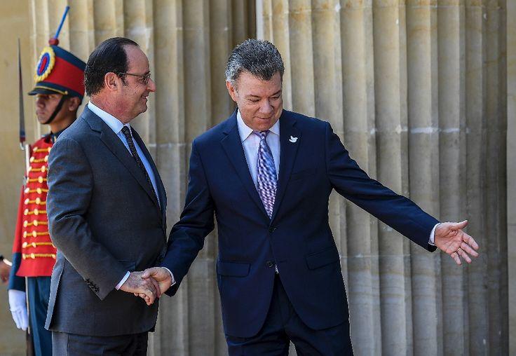 François Hollande a entamé lundi sa visite en Colombie par un entretien avec deux des principaux négociateurs de l'accord de paix entre le gouvernement et les Farc, avant d'être reçu par le président Juan Manuel Santos.