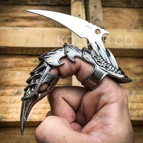 KOLOURCO.COM offers the largest selection of knives, axes, swords, and axes online!  We carry CS:GO knives and tactical gear such as binoculars, tactical pens, throwing knives, and more.