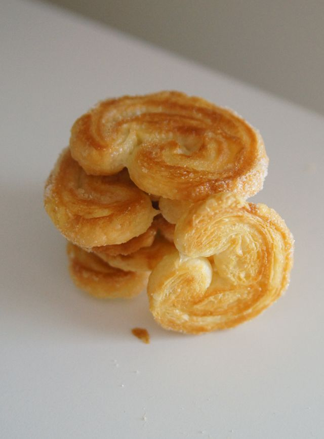 Two (2) ingredient Elephant Ear Pastry.  I have ALWAYS wanted a good excuse to try puff pastry and now's my chance.  I love anything that's easy and delicious so this is right down my alley.  I might even try adding cinnamon to the sugar to give it extra Pizazz!  Really only 2 ingredients, would I lie?
