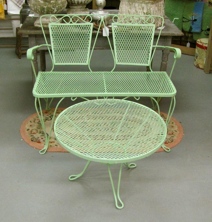 Best 25 vintage patio furniture ideas on pinterest - Garden furniture ideas fun good taste ...