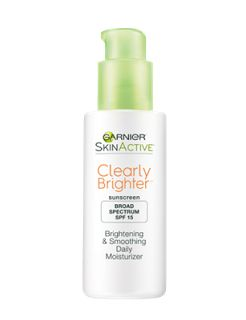 I Am THE Makeup Junkie: Review: Garnier Clearly Brighter Brightening & Smoothing Daily Moisturizer Broad Spectrum SPF 15 #GarnierUSA #ClearlyBrighter
