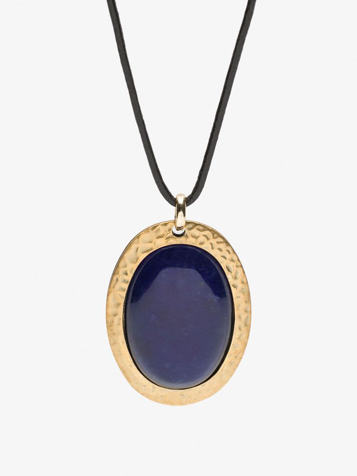 Autumn winter 2016 null´s STONE NECKLACE at Massimo Dutti for 19.95. Effortless elegance!