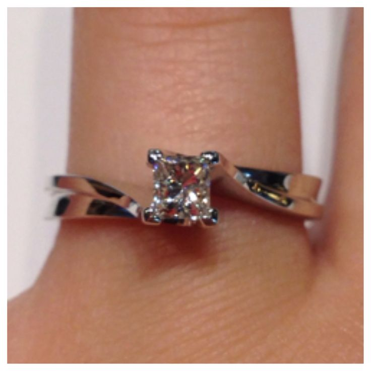 14kt white princess TW0.33ct