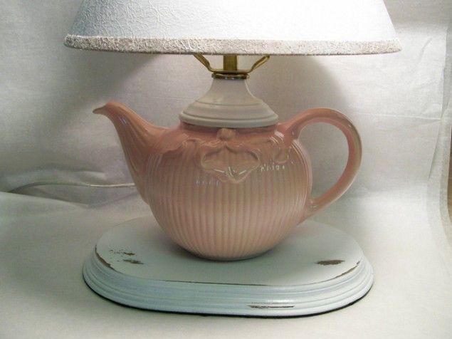 lamp van een oude theepot