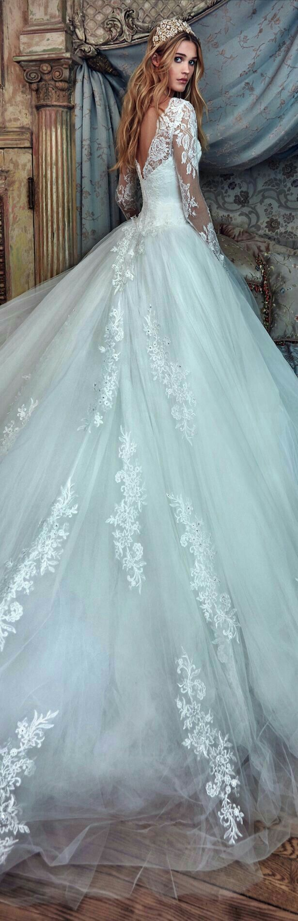 245 best Wedding Gowns images on Pinterest   Long prom dresses ...