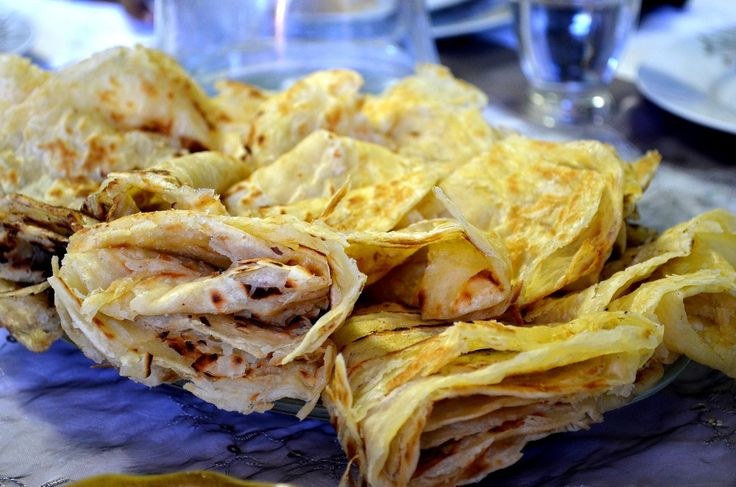 roti, samoosas, daltjies & chicken curry Cape Malay Recipes