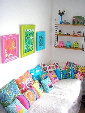 Almofadas coloridas ^^!