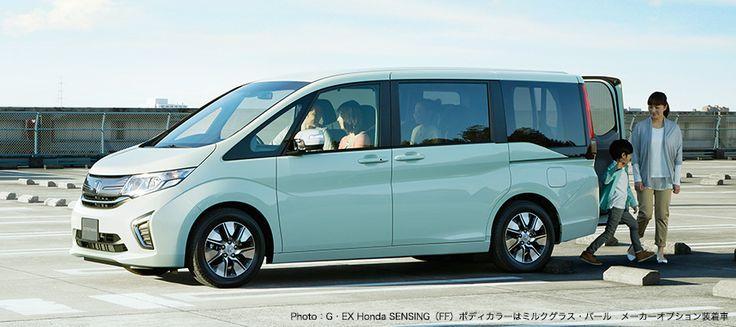 Honda Stepwgn ・EX Honda SENSING(FF)ボディカラーはミルクグラス・パール メーカーオプション装着車