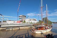 Pont tournant passage du voilier SINBAD -  photo 33-bordeaux.com