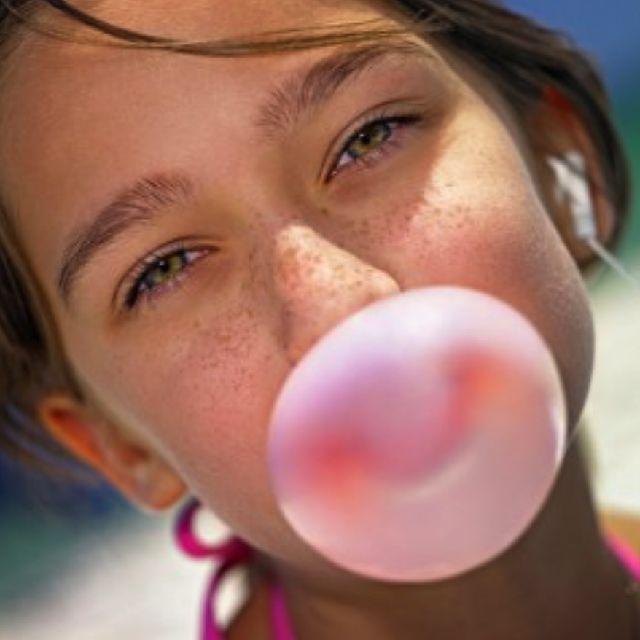 ¡Es cierto! el chicle mantiene tus dientes más sanos