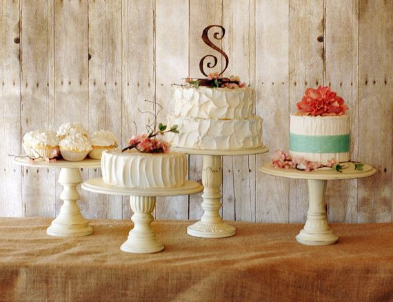 How to Display Multiple Wedding Cakes