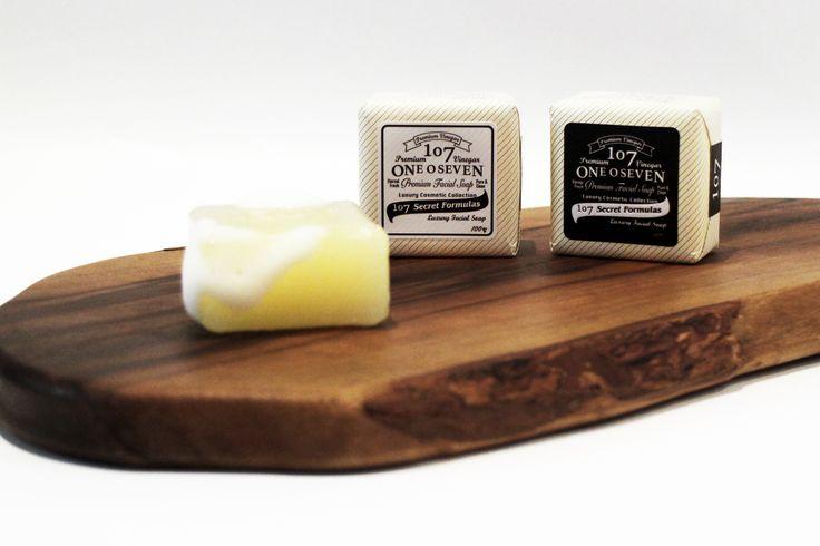 107 Oneoseven Soap_Black & White