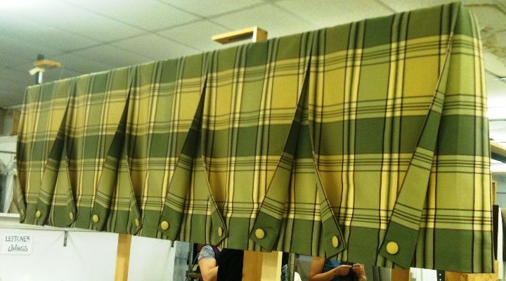 Box Pleat Valance with Contrast Pleats and Buttons