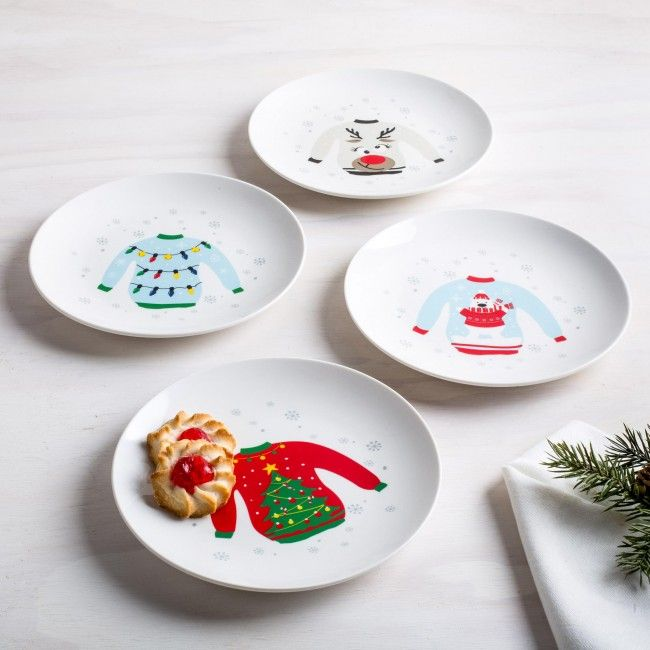 Serve your favourite treats on these ugly sweater plates at your ugly sweater party this holiday season. These holiday side plates are perfect for setting your favourite baked treats or serving delicious dessert when guests are over.