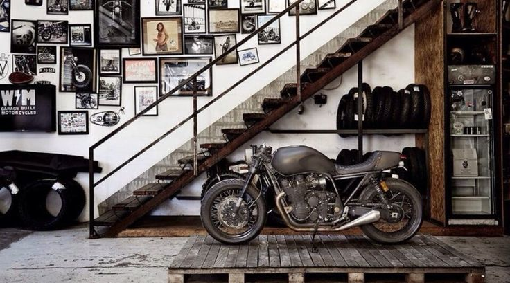 20 industrial garage designs to get inspired garage interior for Motorcycle garage plans