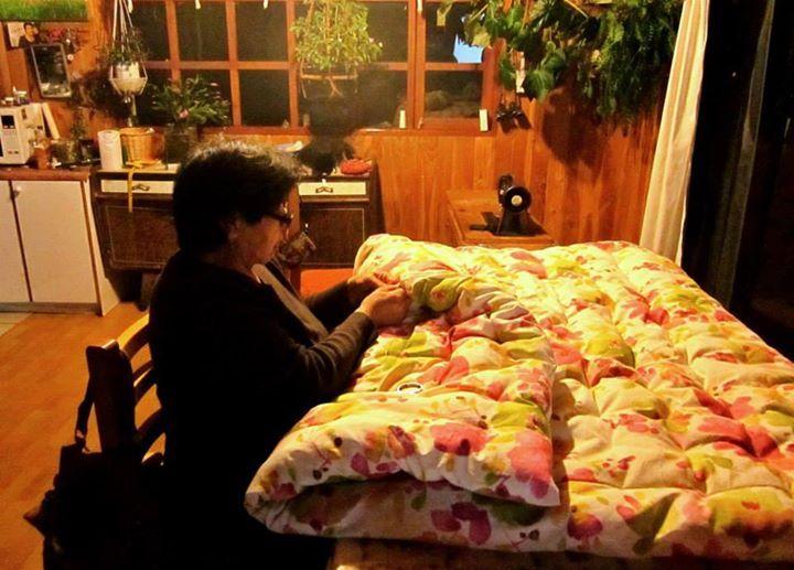 Trabajando en un nuevo cobertor hermoso