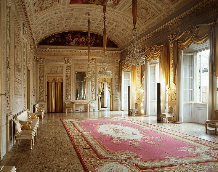 Sala delle Feste o Galleria d'Achille  http://palazzomilzetti.jimdo.com/il-palazzo-the-palace-der-palast-le-palais/piano-nobile/