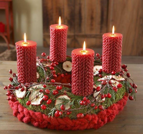 1001 adventskranz ideen und bilder f r ihre weihnachtsdeko adventskranz ideen hagebutte und. Black Bedroom Furniture Sets. Home Design Ideas