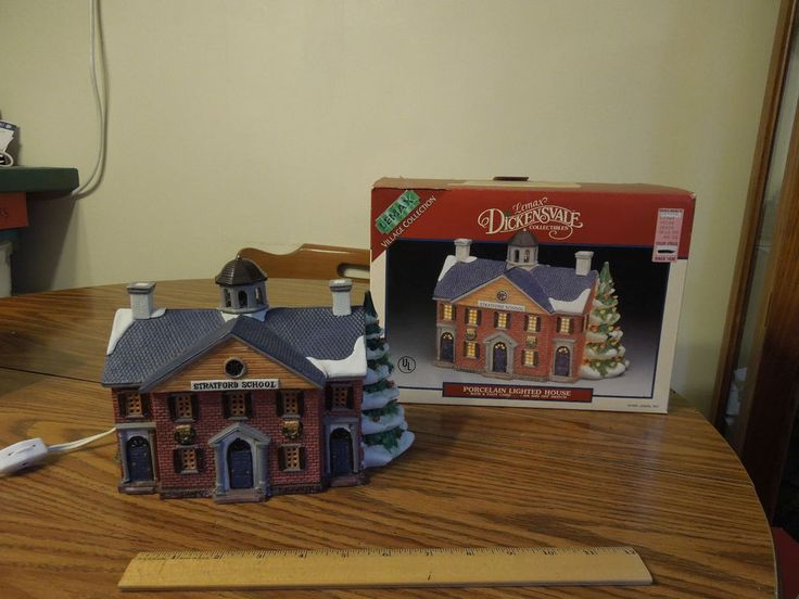 Lemax Dickensvale porcelain lighted STRATFORD SCHOOL # 55144