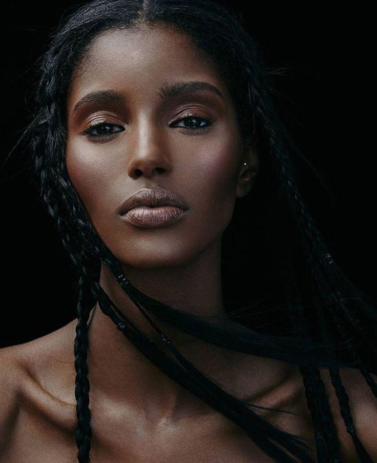 black-naked-woman-portrait-tube-xxx-mature
