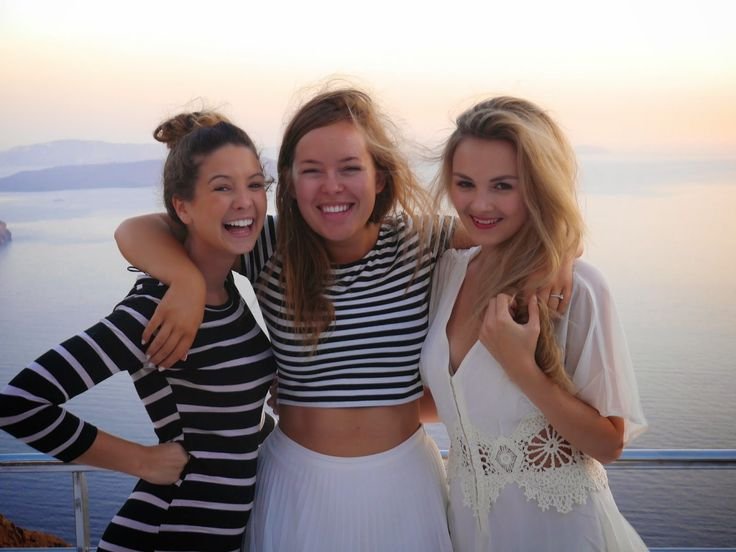 ZOELLA, TANYA BURR & NIOMI SMART // pinterest : teenageovercast ❤