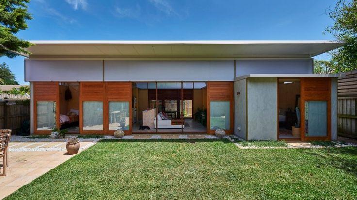'Garden pavilion' in Narrabeen was designed by Peter Stutchbury for Shona Veney.