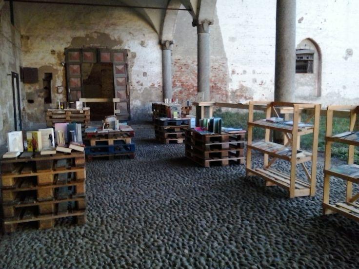 Temporary bookshop