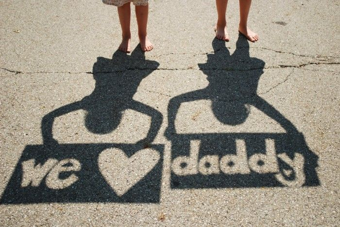 We Love Daddy Shadow Pose for Father's Day #fathersday #crafts #photoideas