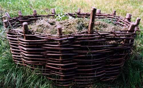 http://www.365slojd.se/projects/63-flata-en-kompostkorg