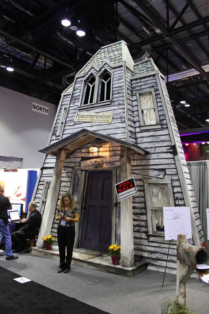 Haunted House facade in 2020 Halloween house, Outdoor