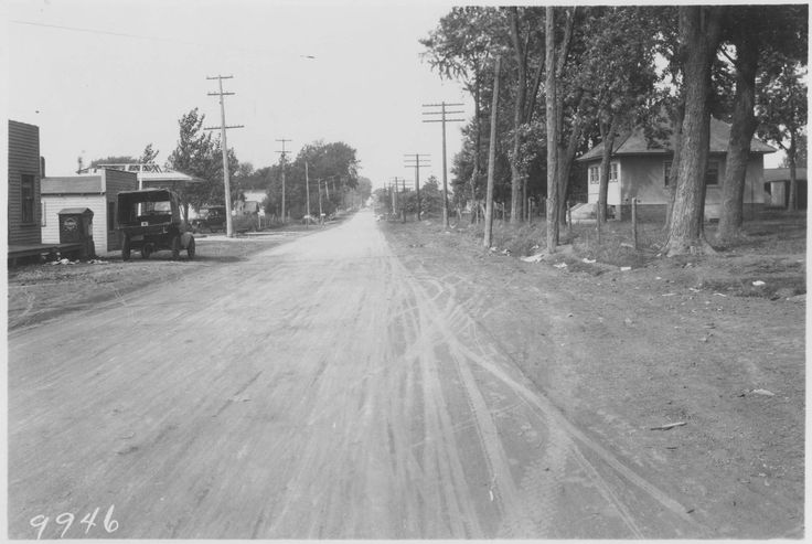 Army Post Road 1922, looking west. Photo was taken at a point just west of SW 9th.