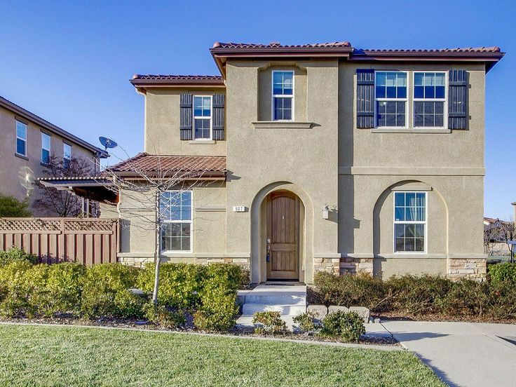 Features include granite counters with full glass block back splash, stainless steel appliances, mocha stained cabinets with pull outs, pantry closet, laminate floors 907 Bullion Ln Folsom California 95630 Single Family Home for Sales. #realtor #realestate #luxurylifestyle #forsale #folsom #dreamhouse