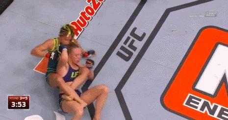 #TUF20Finale: Carla Esparza Defeats Rose Namajunas to Become First UFC Strawweight Champion | FatManWriting
