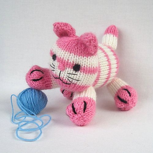 17 Best images about Knitted Stuffies on Pinterest | Free pattern ...
