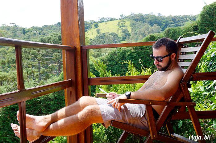 Brasil gay friendly: Trabalhando em paz na Pousada Quatro Estações, em Santo Antônio do Pinhal - Foto: Emerson Lisboa / Viaja, Bi!