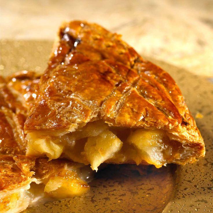Réalisez la crème d'amandes : Sortez le beurre du réfrigérateur quelques heures avant son utilisation afin qu'il ramollisse.