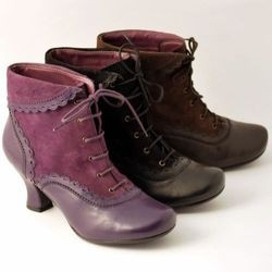 Hush Puppies shoes, Victorian style boots : want it !